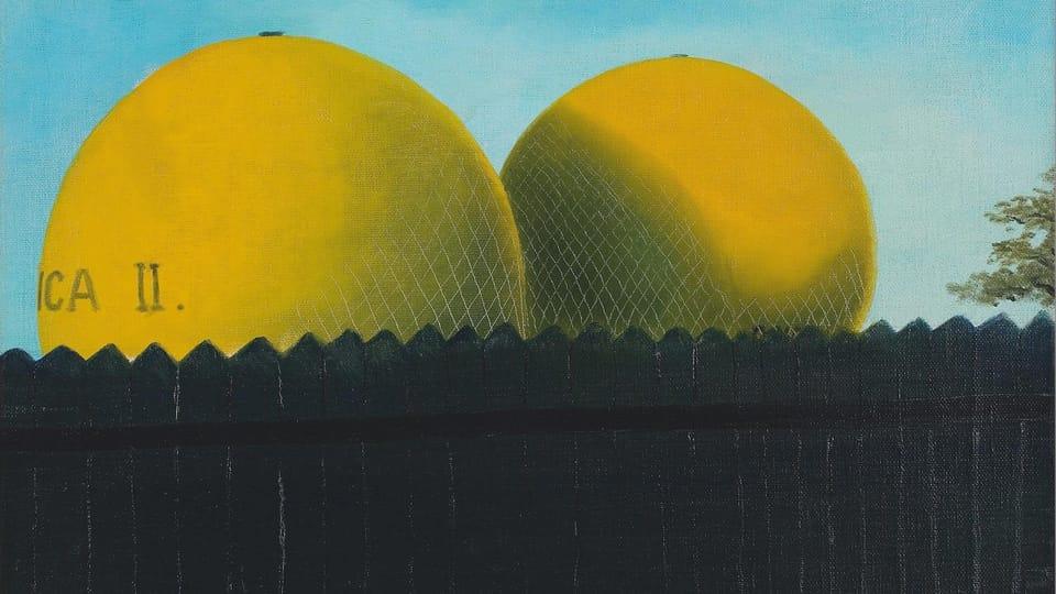 'Deux ballons à la clôture',  1940,  photo: Retro Gallery