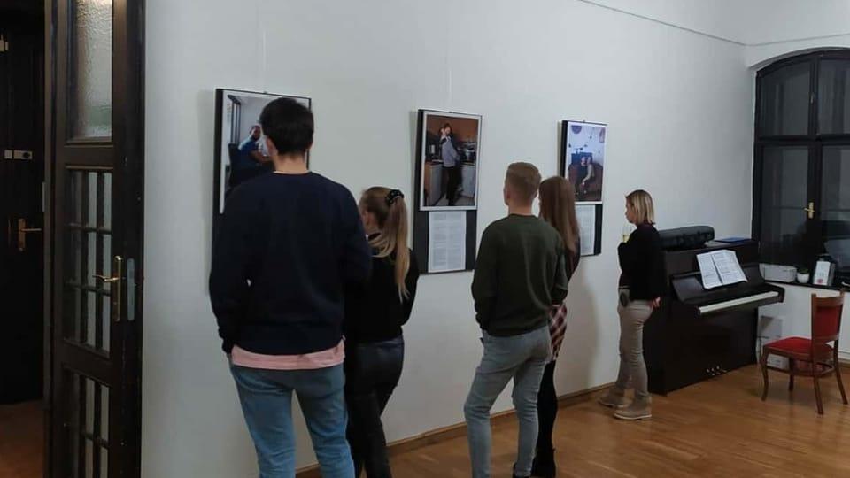 Couples from the world,  exposition à l'Alliance Française de Brno,  photo: Anna Fišerová