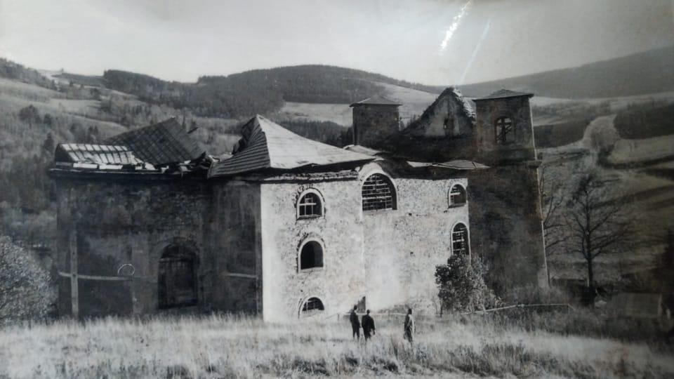 L'église détruite,  photo: Dominika Bernáthová