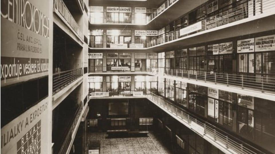 Palais des foires dans les années 1930,  photo: Site officiel de la Galerie nationale