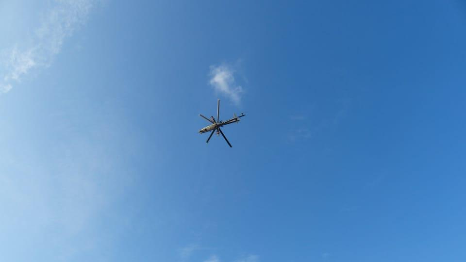 L'hélicoptère de l'armée tchèque,  photo: Klára Stejskalová