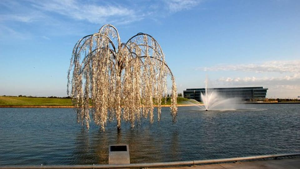 Willow Tree,  photo: caoperrotstudio.com